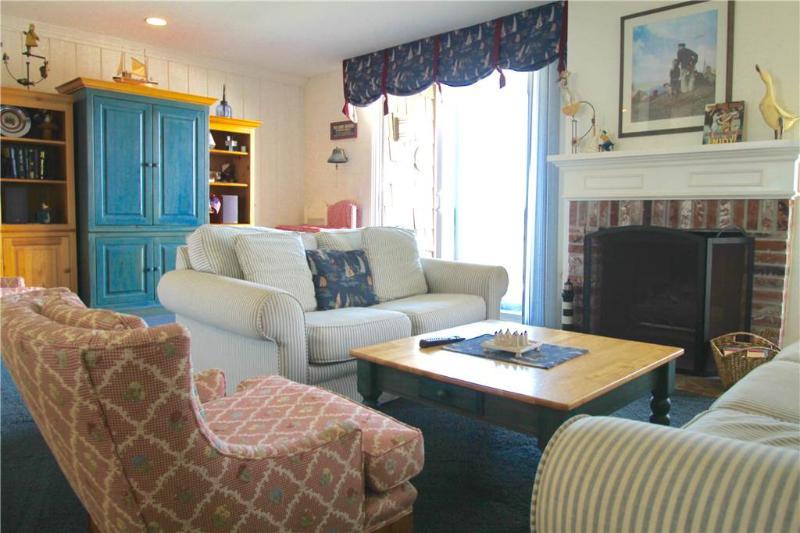 Ideal 1 Bedroom & 1 Bathroom House in Oceanside (999 N. Pacific St. #G36) - Image 1 - Oceanside - rentals