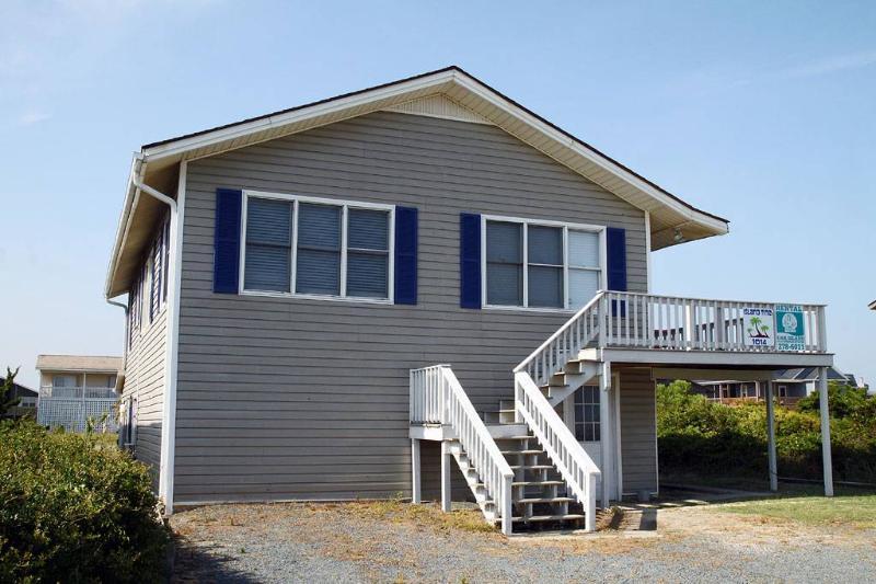 Island Time 1014 West Beach Drive - Image 1 - Oak Island - rentals