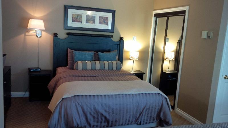 Cozy Condo at Base of Blue Mountain - Image 1 - Blue Mountains - rentals