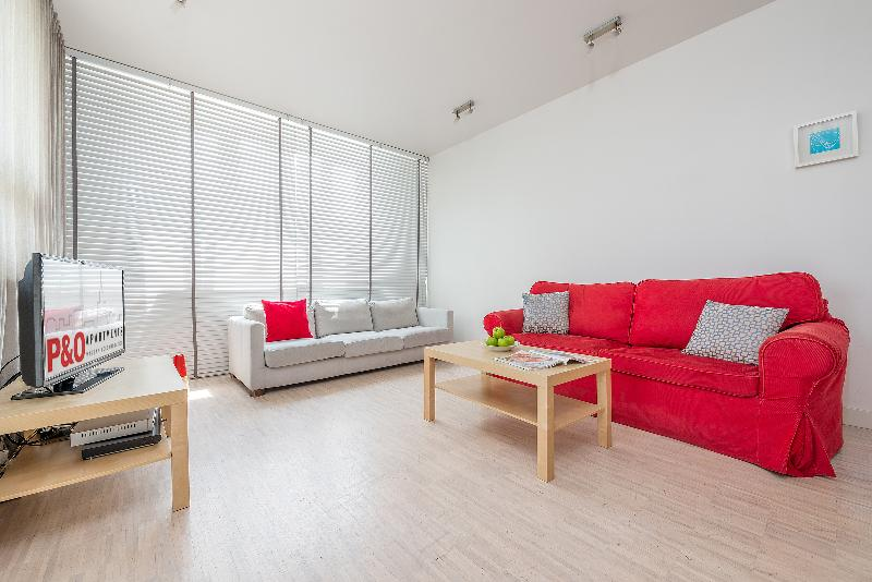 P&O Arkadia 7, next to metro and Old Town! - Image 1 - Warsaw - rentals