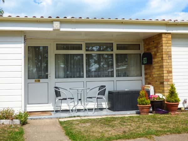 THE CHALET, a single storey chalet near Norfolk Broads, close RSPB reserves in Burgh Castle near Great Yarmouth, Ref 15718 - Image 1 - Norfolk - rentals