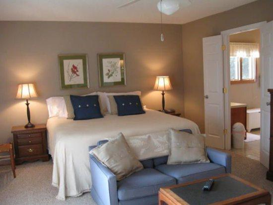 Ansley Heights Master Bedroom - Ansley Heights - Blowing Rock - rentals