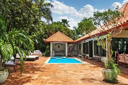 Ocean view Las Cerezas villa adjacent to the country's biggest golf course with pool & jetted tub - Image 1 - Dominican Republic - rentals