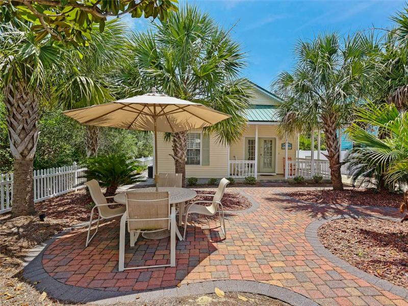 Bahama Breeze Cottage - Image 1 - Destin - rentals