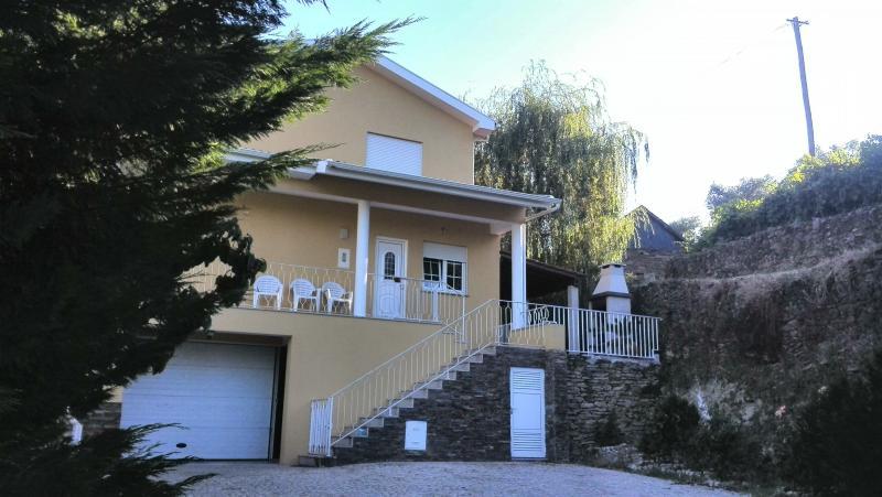 House - Casa Amarela - Douro Wine Region - Cardigos - rentals