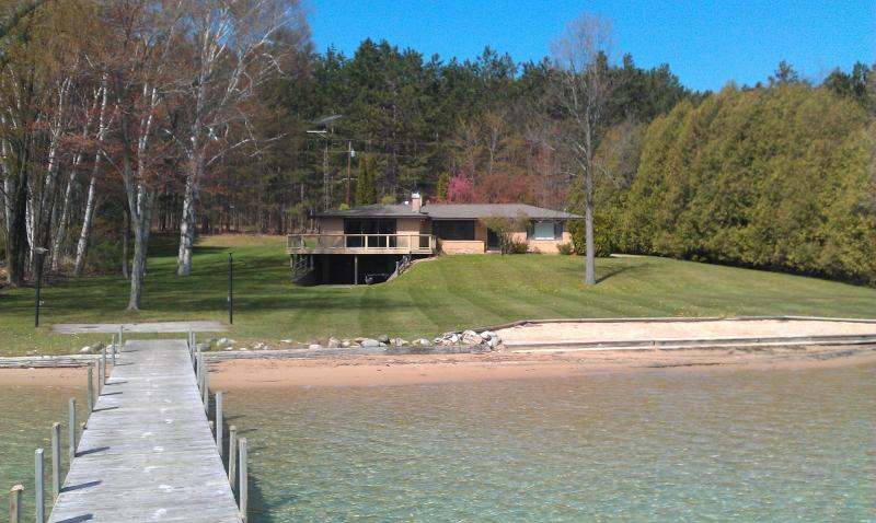 160 ft. of private frontage on beautiful Walloon Lake - Beautiful Walloon Lake Rental Home - Petoskey - rentals