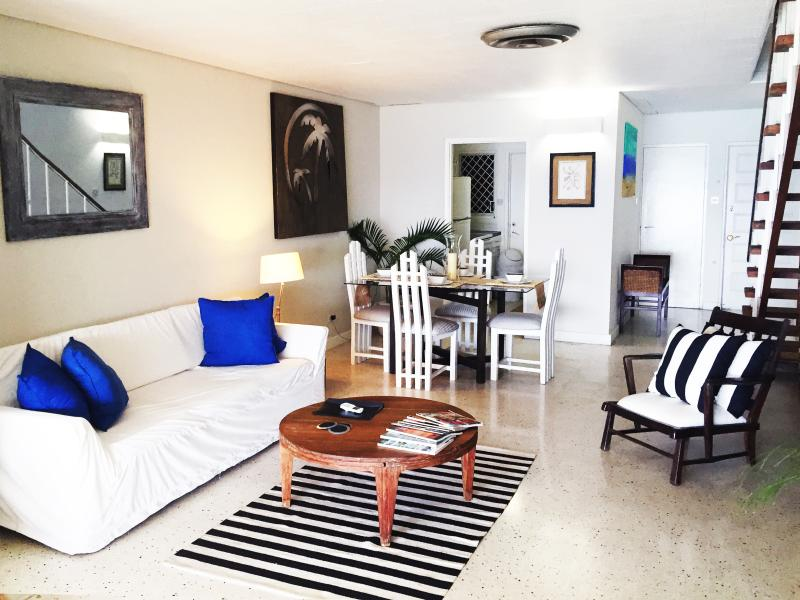 Spacious living room with air conditioner and cable/wifi - Gorgeous Oceanview Condo Montego Bay Jamaica - Montego Bay - rentals