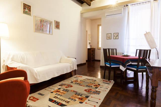 living - LA DOLCE VITA APT CLOSE TO SPANISH STEPS - Rome - rentals