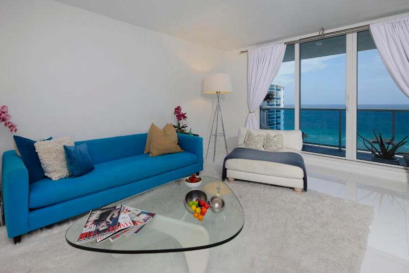 Beachfront 2 Bedroom Apartment in South Beach - Image 1 - Miami - rentals