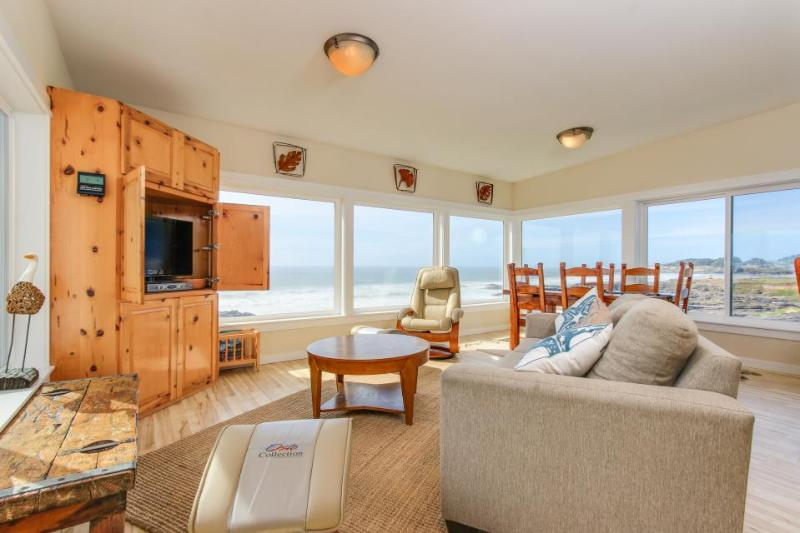 Pet-friendly, beachfront duplex with hot tub & views! - Image 1 - Yachats - rentals