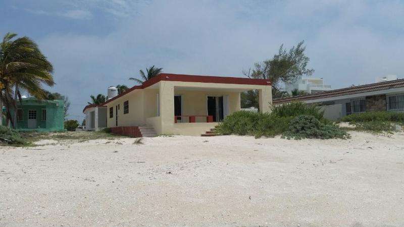 The house - RELAXING BEACH FRONT HOUSE FOR RENT WITH ALL YOUR FAMILY AND FRIENDS - Progreso - rentals