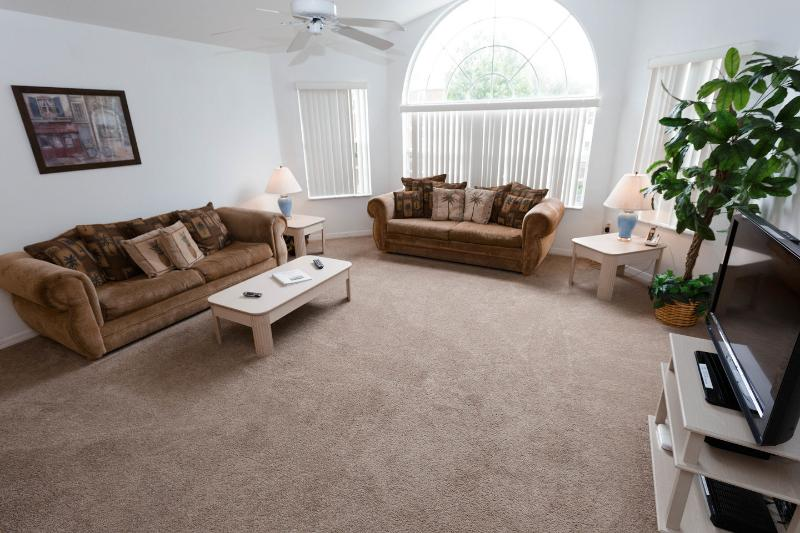 Living Room - 3/2 Comfortable Family Vacation - Rent Disney Area - Kissimmee - rentals