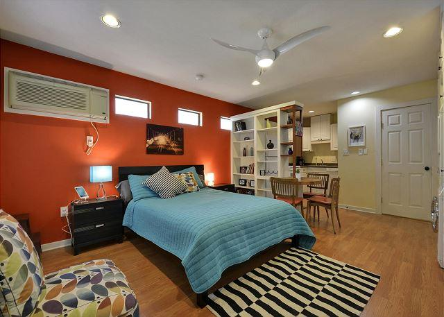 Main Living Area - South Austin Gem Cottage – Walk to Downtown, SoCo, Zilker and More - Austin - rentals