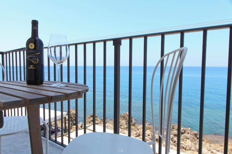 Stunning central apartment with amazing sea view - Image 1 - Cefalu - rentals