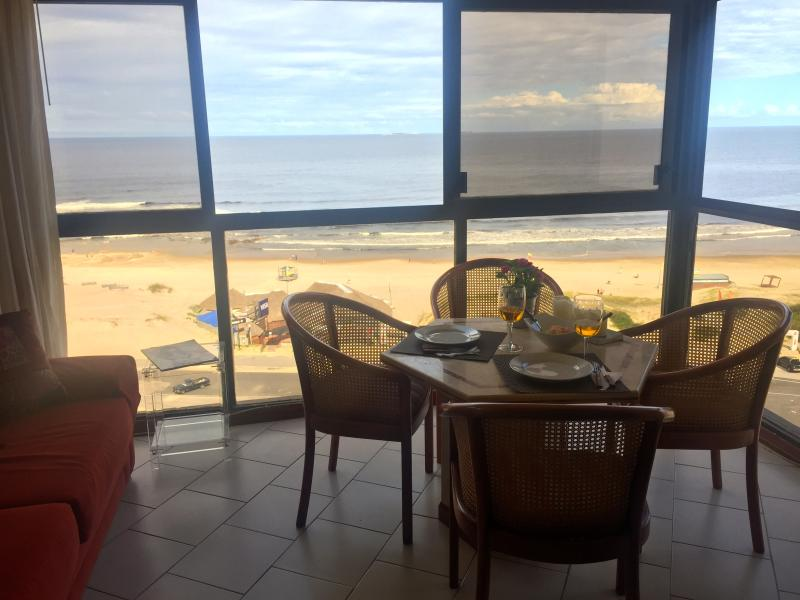 Enjoy your breakfast! - Beautiful apartment ! by the beach! - Punta del Este - rentals