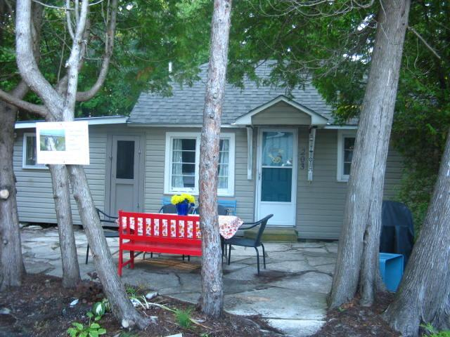 Welcome to Sunset Paradise! - SAUBLE BEACH! SUNSET PARADISE-1 MIN WALK TO BEACH - Sauble Beach - rentals
