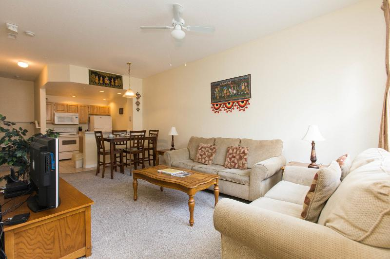 Living Room - Luxurious Venetian Villa with Ongoing Specials !! - Kissimmee - rentals