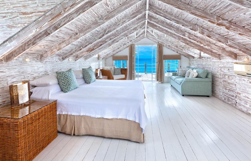 Master bedroom upstairs - Idyllic 3bed Mullins Beach house, amazing sea view - Mullins - rentals