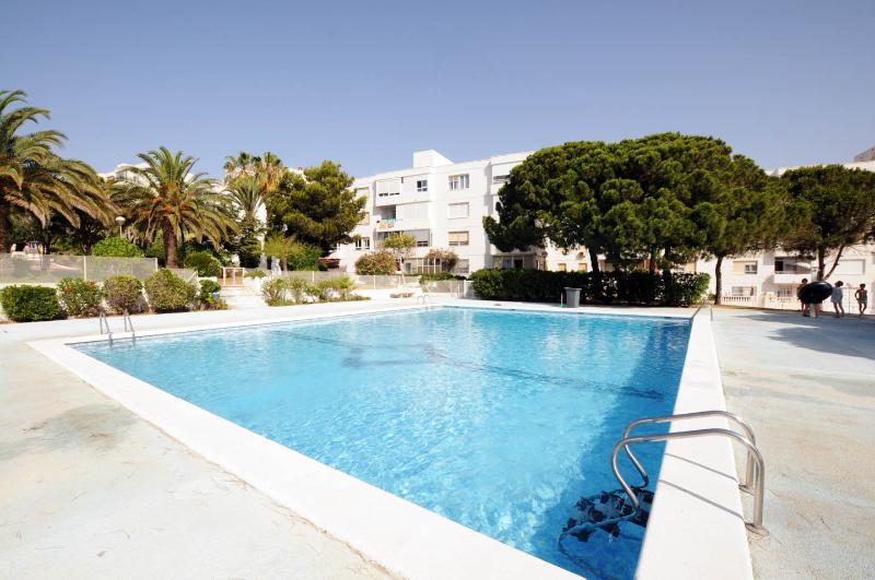 GRAN ALACANT, SEA VIEWS, WIFI, HEATING & SPORT - Image 1 - Alicante - rentals