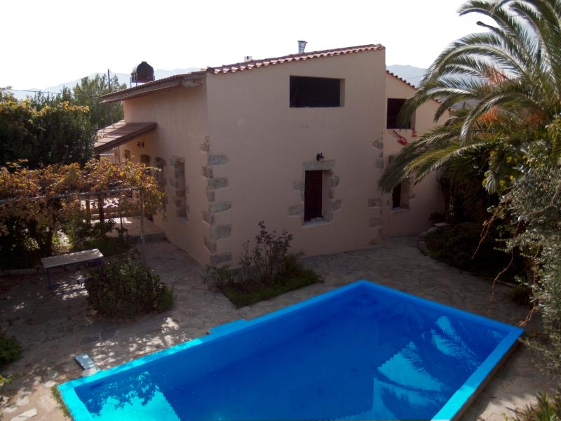 back yard and pool - Petros' House - Chania - rentals