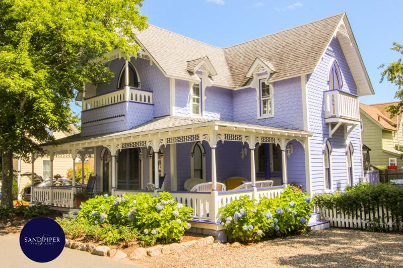 #8131 Charming Victorian W/ Wrap Around Deck in Oak Bluffs - Image 1 - Oak Bluffs - rentals