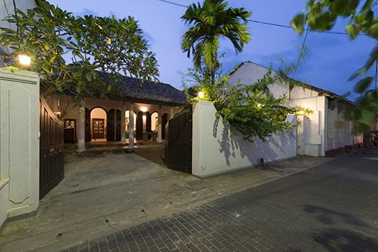 Entrance at night - Ambassador's House - an elite haven - Galle - rentals