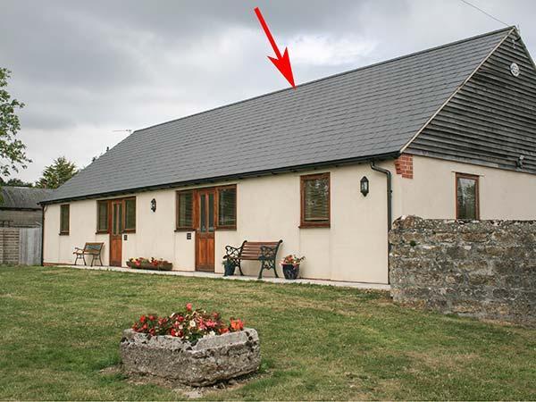 BRINDLE COTTAGE, all ground floor, semi-detached cottage, off road parking, shared front garden, in Swindon, Ref 30894 - Image 1 - Swindon - rentals