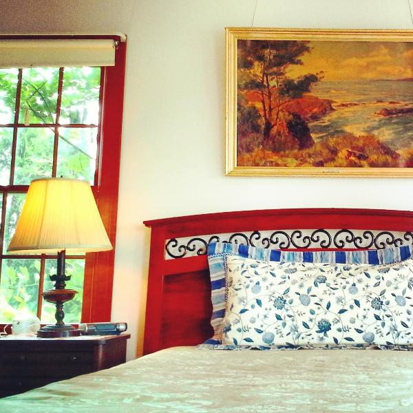 Master bedroom - Perfect Waterfront Vacation Home Brewster Cape Cod - Brewster - rentals