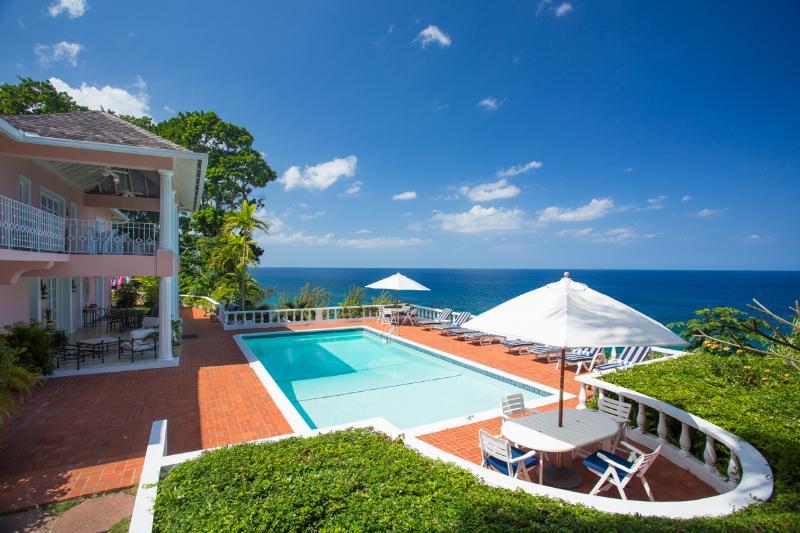 PARADISE PES - 92723 - WONDERFUL EXPERIENCES   5 BED   OCEANFRONT    VILLA WITH POOL - OCHO RIOS - Image 1 - Ocho Rios - rentals