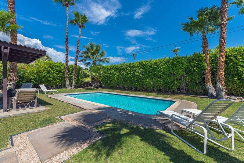 Oversized Backyard With Refreshing Pool - A Stylish Mid Century Modern - Palm Springs - rentals