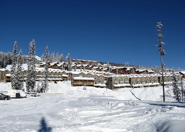 Happy Valley - Snowbird Lodge 406 Happy Valley Location in Big White Ski Resort Sleeps 7 - Big White - rentals