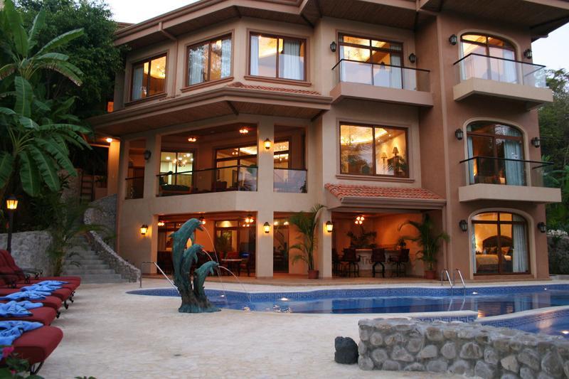 Palacio Tropical, Sleeps 16 - Image 1 - Tambor - rentals