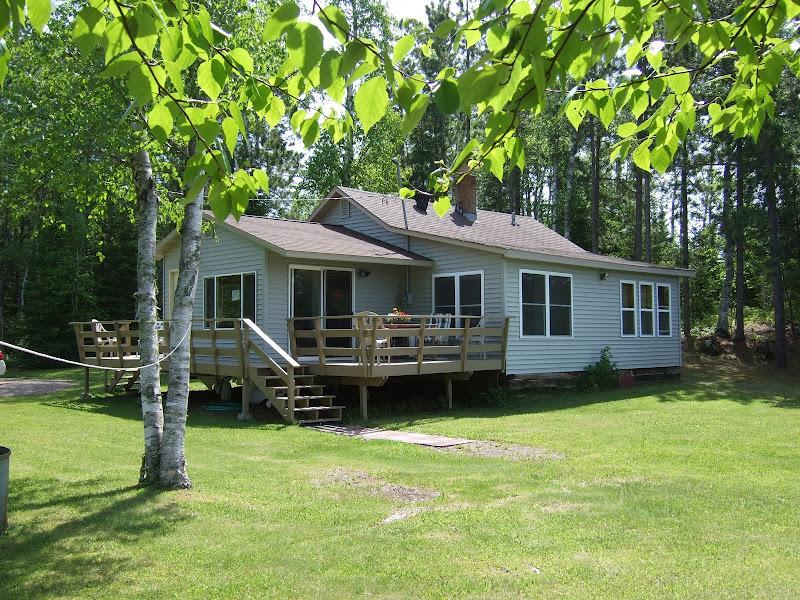 Lake side cabin 50 feet from clean spring fed lake - Image 1 - Brimson - rentals
