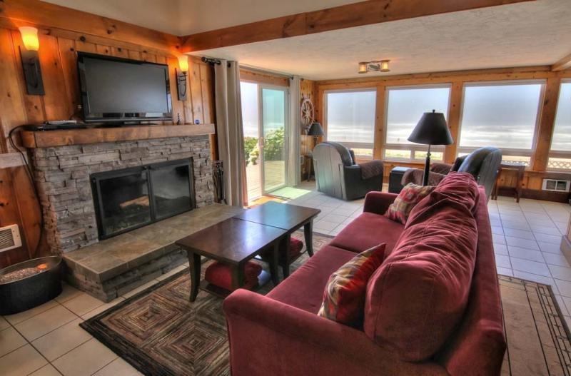 5 star Reviews-Hot Tub-Oceanfront! 3rd night free! - Image 1 - Yachats - rentals