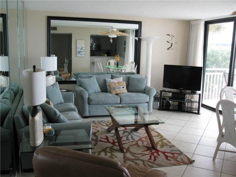 Relaxing beachfront 2BR condo with balcony #215GF - Image 1 - Sarasota - rentals