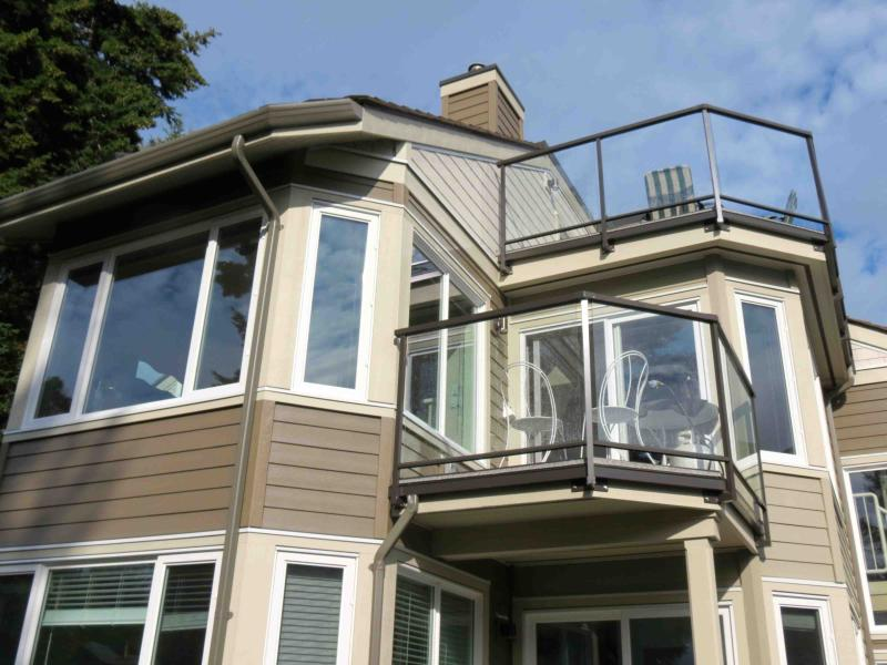 WOW! 3 Bedroom  Beachfront Condo steps to sand - Image 1 - Parksville - rentals