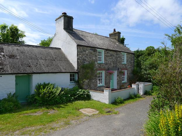 Child Friendly Holiday Cottage - Maengwyn, Nr Cwm Yr Eglwys - Image 1 - Dinas Cross - rentals