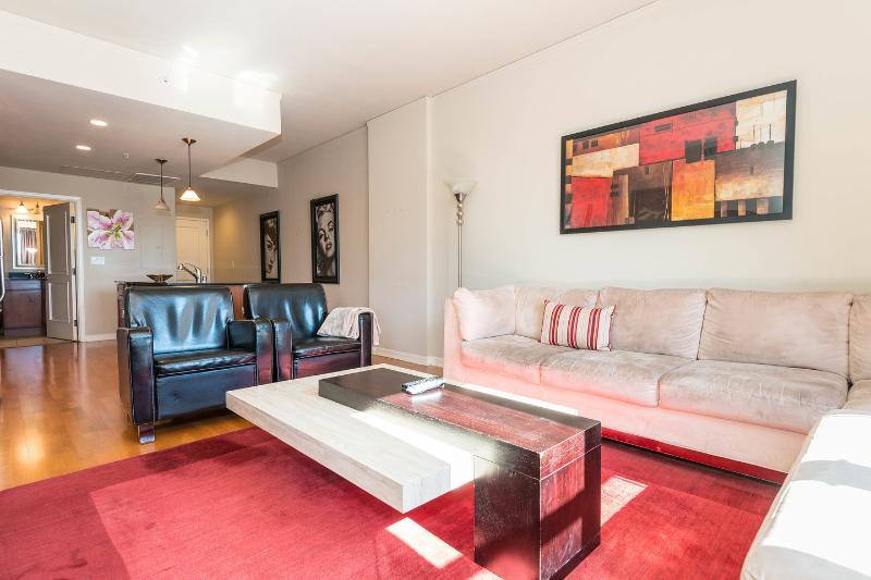 Living Room - 2BR/2 Bath Condo Downtown Denver - Denver - rentals
