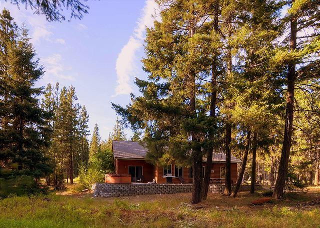Private 3BD Home Slps8 |Hot Tub, WiFi, Game Room| Pool Access, Save In Sept!! - Image 1 - Cle Elum - rentals