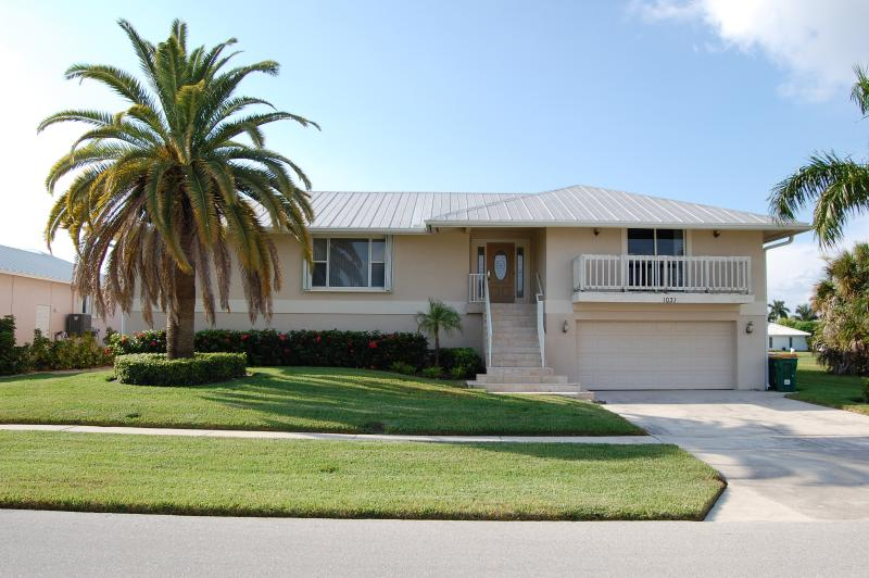 Welcome! - Great Family Vacation Home! Minutes from Beach! - Marco Island - rentals