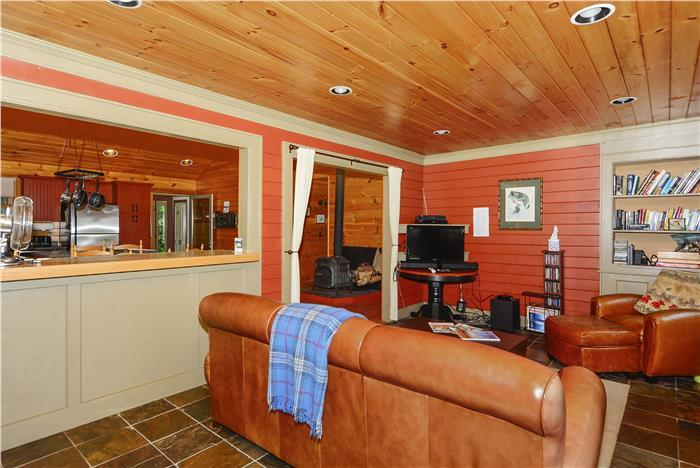 First Bend River Cabin - Image 1 - Hyde Park - rentals