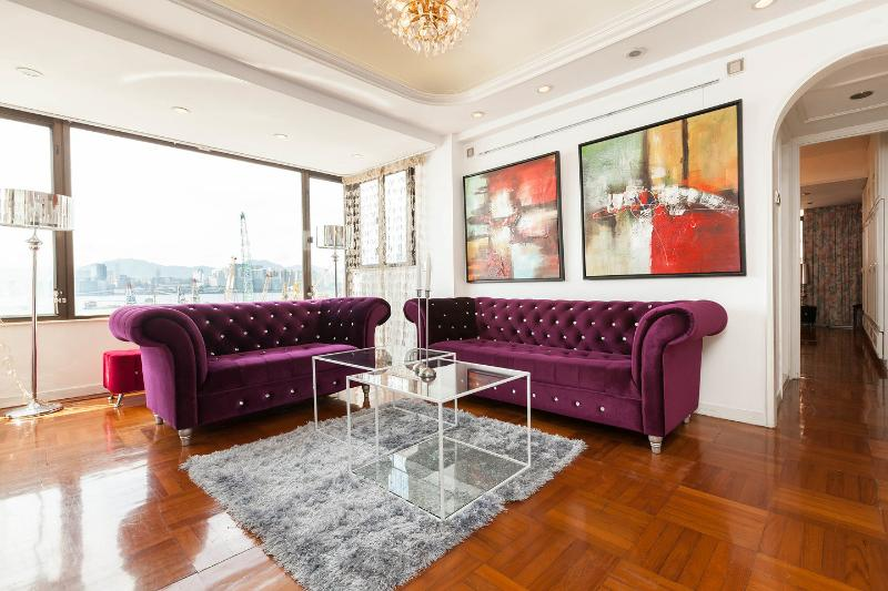 Living Room - SHOWTIME! SUPERB XXL HARBOR VIEW MTR CLEAN FAMILY - Hong Kong - rentals
