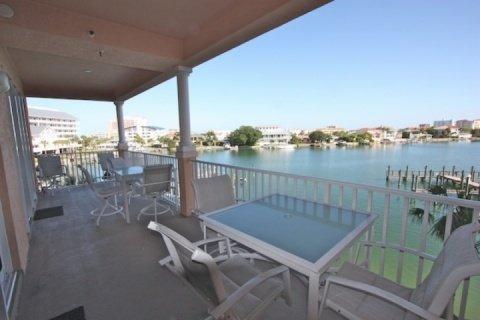 303 Harborview Grande - Image 1 - Clearwater Beach - rentals