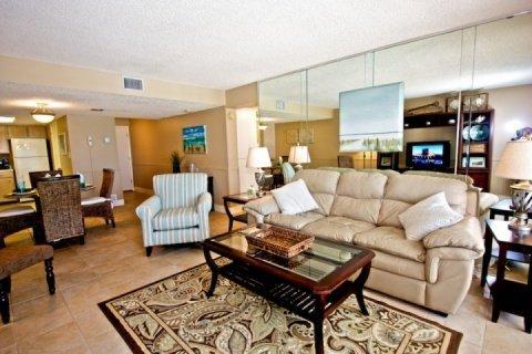Beautiful new Decor - Stylish Beachfront Condo with Phenomenal Scenery and Pool - Panama City Beach - rentals