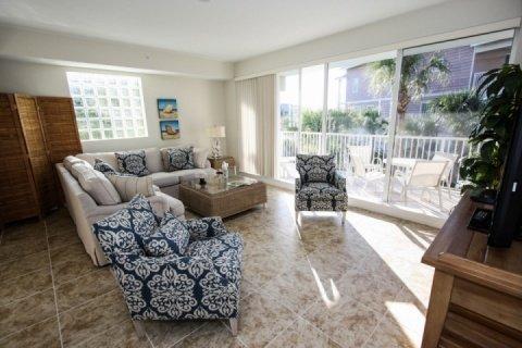 Sunny living area - 418 Little Harbor - Ruskin - rentals