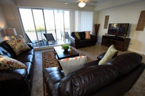 Living area leads to balcony - 579 Little Harbor - Ruskin - rentals