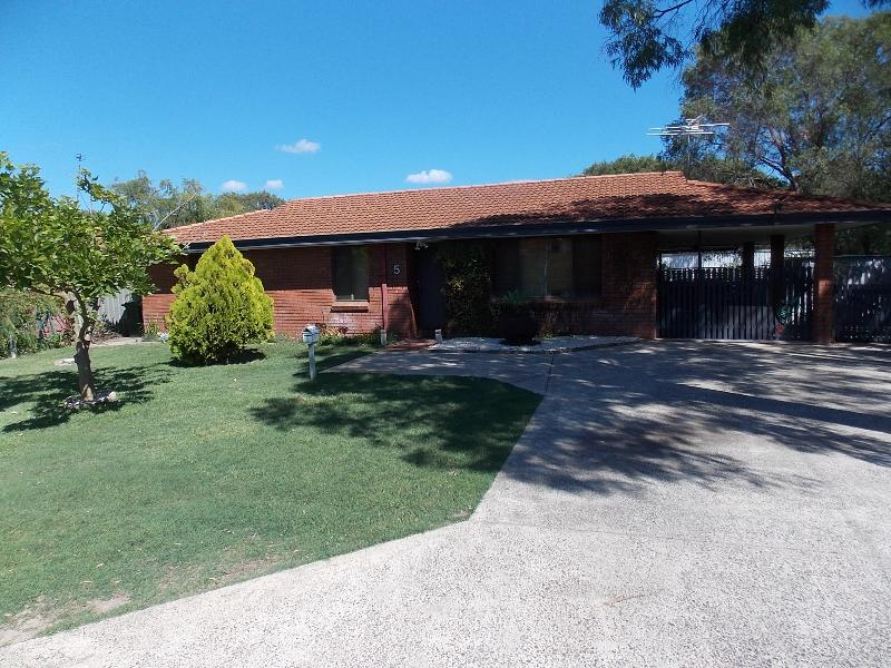 3 bedroom fully self contained house - Abbey Beach Cottage, Busselton - Busselton - rentals