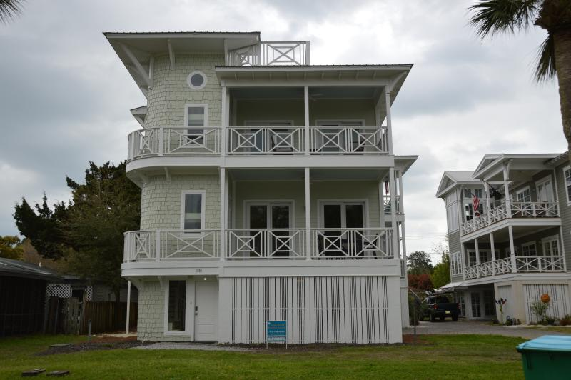 Welcome to our Beach House! - 4 Bedroom Coastal Retreat with Elevator - Tybee Island - rentals