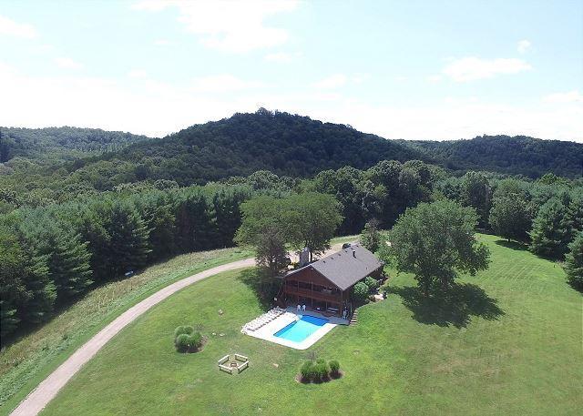 Hocking Hills Hilltop Lodge Rental - Image 1 - Laurelville - rentals