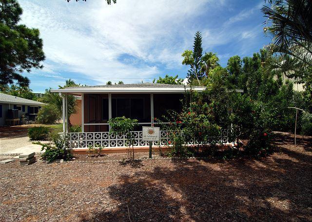 Exterior - Pet friendly beach cottage - Sanibel Island - rentals